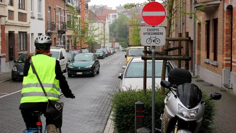 SUL : cyclistes à contresens dans les sens uniques