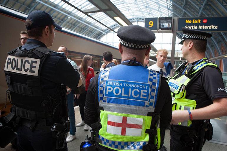 Rétablir la confiance entre la police et la population